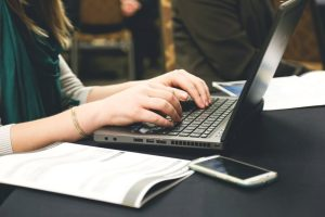 Best Laptop For Writers, Journalists, And Bloggers (Reviews 2020)